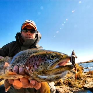 Fly fishing for rainbows in the Moro Creek - Estancia Laguna Verde Lodge